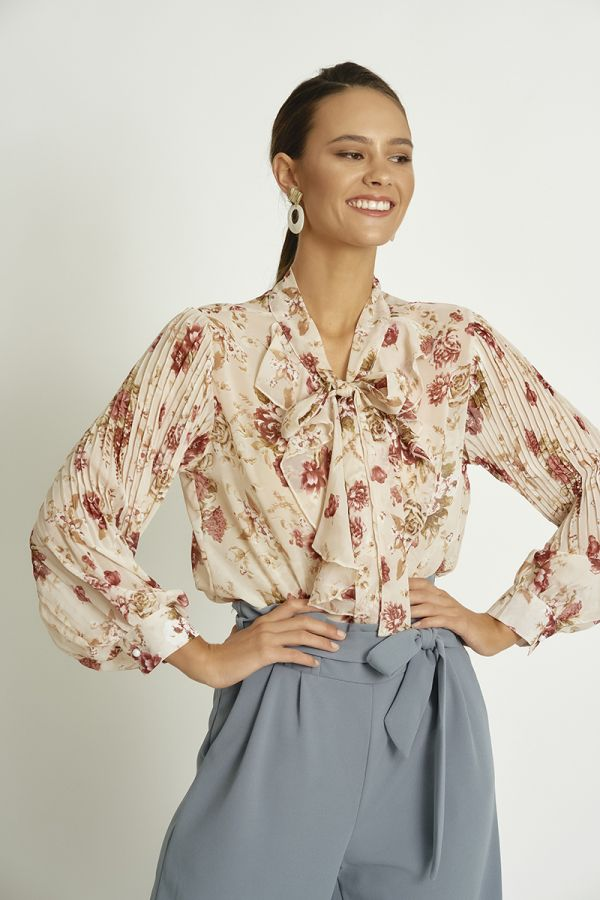 FLORAL TOP WITH PLEATED SLEEVE (324353)