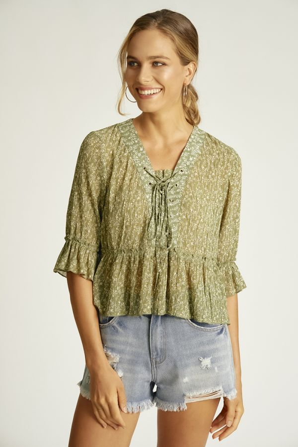 PLEATED QUARTER SLEEVE TOP (324514)