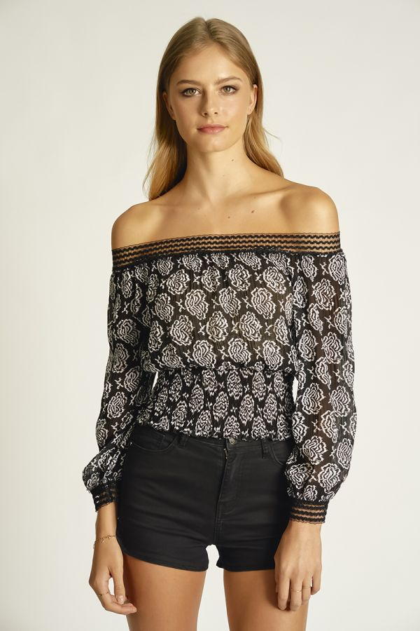 PLEATED CHIFFON TOP (324999)