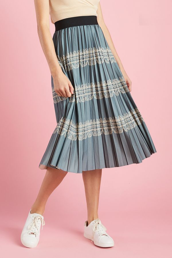 BAND WAISTED PLEATED SKIRT (325132)