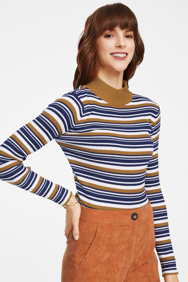 FITTED KNIT TOP IN STRIPES (325407)