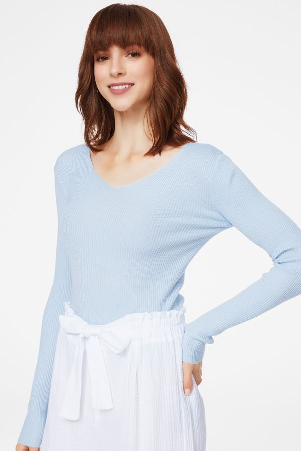 V NECK BASIC KNIT TOP (325811)