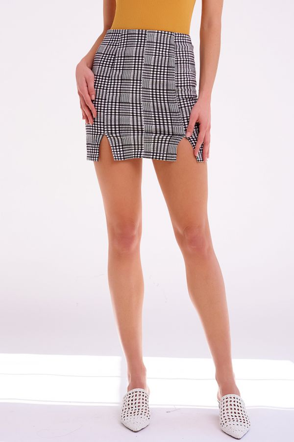 ASHLEY SLIT MINI SKIRT