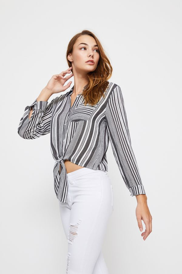 PIA FRONT TIE SHIRT